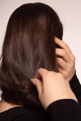 Почему волосы на голове потемнели