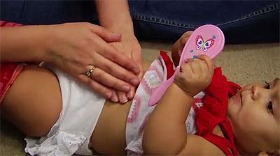 массаж при боли в животе у ребенка